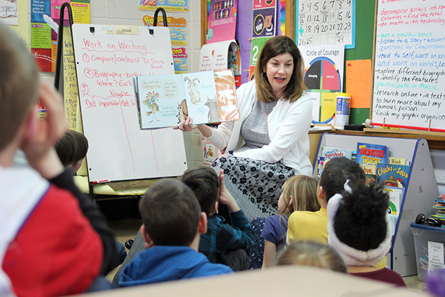 State Rep. Cara Clemente (D-Lincoln Park) reads to students at Hoover Elementary in celebration of March is Reading Month Monday, March 25, 2019.
