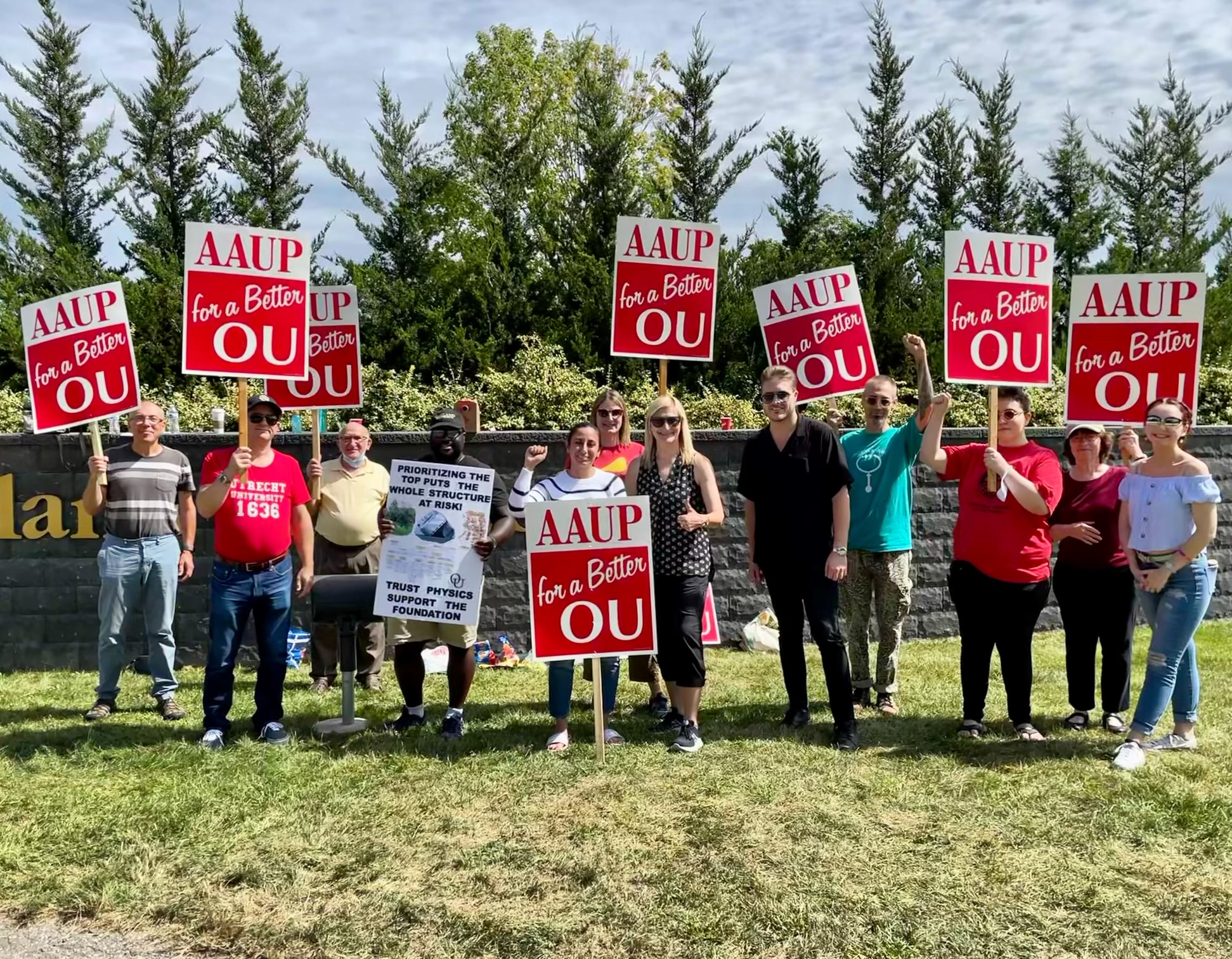 A picture of Rep. Mari Manoogian (center) on the picket line with members of AAUP's Oakland University Chapter, Sept. 3, 2021.